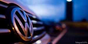 Volkswagen chief under pressure as emissions scandal widens